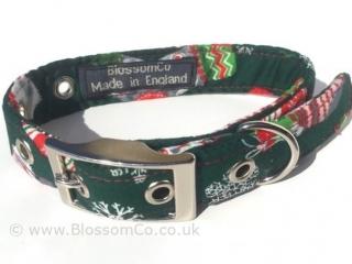 Christmas theme dog collar. Green with christmas stockings and snowflakes