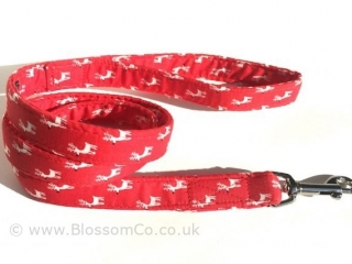 Red dog lead with white reindeer