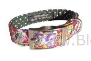 gorgeous floral design dog collar handmade in Great Britain