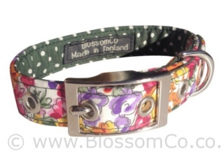 gorgeous floral design dog collar handmade in Great Britain