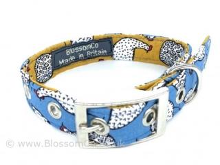 handmade dog collar in farm theme hens pattern fabric
