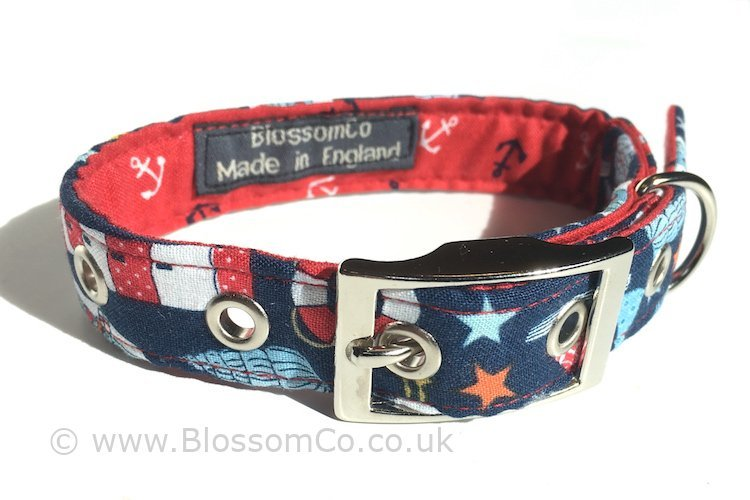 dog collar in coastal theme pattern fabric with lightouses