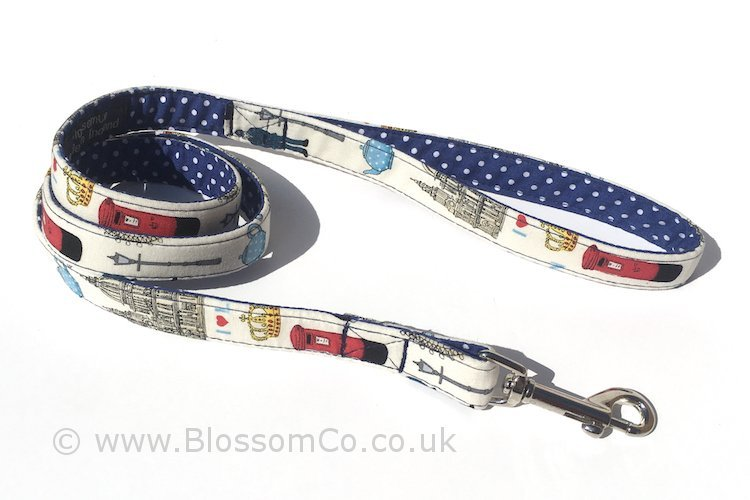 Love London is a dog Lead with London landmark emblems design