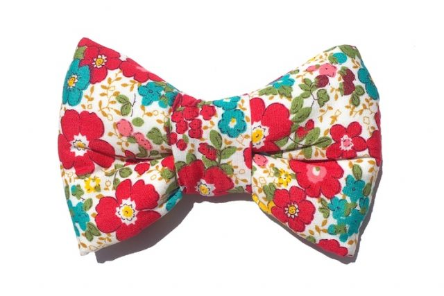 Floral Bowtie For Dogs wholesale in UK