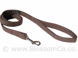 Wilbur is a very stylish and trendy dog lead in houndstooth pattern