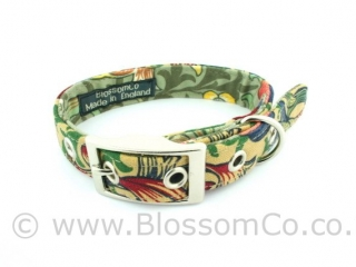 Dog collar by BlossomCo in William Morris Golden Lily design
