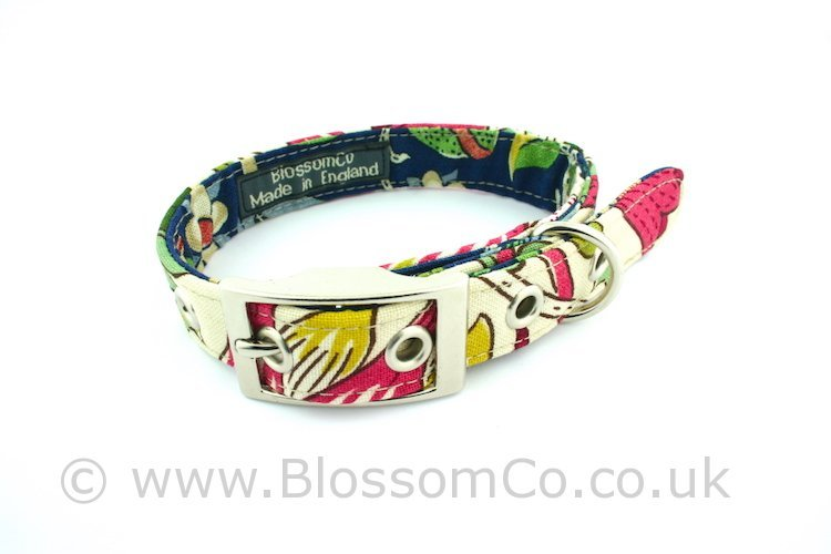 Dog collar by BlossomCo in William Morris Lodden design