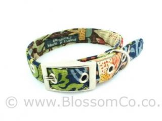 Dog collar by BlossomCo in William Morris Strawberry Thief design